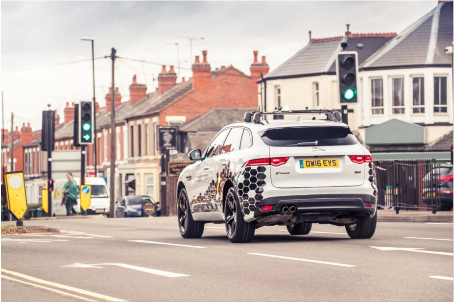 Jaguar Land Rover V2X technology will help drivers avoid red lights